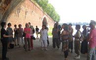 CHANT - Pause chantée par Solange Bazely lors d'une visite guidée lors du festival Tangopostale le 6 juillet 2012
