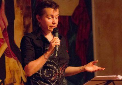 Lecture à voix haute - Solange Bazely le 25 juin 2016 à Tangueando Toulouse - © Frédéric Leme