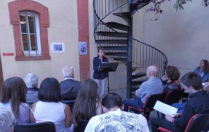 Solange Bazely lisant Don Juan Tenorio de José Zorrilla lors de la San Jordi à l'Institut Cervantès de Toulouse, le 24 avril 2017 © Marie-Laure Cazeaux